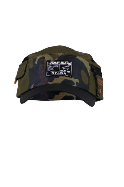 TOMMY JEANS Cap Applikation Camouflage Muster grün